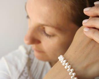 White Freshwater Pearl Bracelet . White Pearl Bracelet Wedding . June Birthstone Jewelry . Simple Pearl Bracelet - Decca Collection