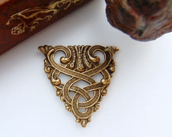 ANTIQUE BRASS * Scroll Crest Celtic Stamping ~ Jewelry Ornamental Findings (CB-3061)