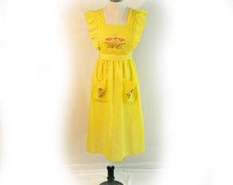 Sunny Yellow Full Apron Vintage 1970s Retro 40s Style So Cute with Floral Ebroidery Accents, Handmade with Ruffles and Front Pockets
