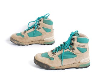 size 7 HIKING teal tan suede leather 80s 90s OUTDOORS GRUNGE lace up ankle boots