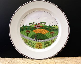 Laplau dinner plate, Villeroy and Boch Design Naif. VITRO porcelain. Hunter and Dog.
