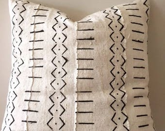 "African Mudcloth  pillow cushion cover 50cm X 50cm ( 20""X 20"") white with black tribal pattern"