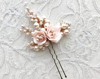 Blush bridal comb, floral bridal comb, flower hair pieces, pale pink flower pins, flower hair pins, wedding accessories, bridal accessories