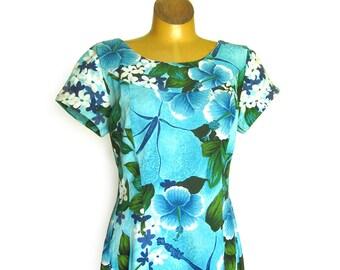 Vintage Hawaiian Barkcloth Dress  / Tropical Flowers / Hibiscus Flower Print / Muu Muu Maxi Dress in Blue, Aqua and Green / Ui-Maikai