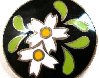 "50s Enamel BUTTON, Japanese flowers in white & yellow on black. 5/8"", Made in Japan. Smaller size"