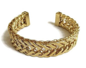SALE Monet Fixed Chain Design Cuff Bracelet Vintage Signed