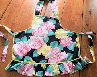NOS Childs Apron, 1960s Bib Apron, Girls Vintage Apron, Never Used Apron, Farmhouse Apron, 1960s Bib Apron, Floral, FREE USA Shipping