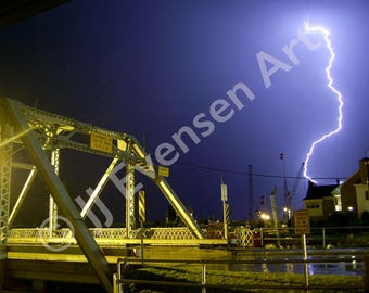 Maritime Lightning Photo in Sturgeon Bay 8x10 Double Matted Print