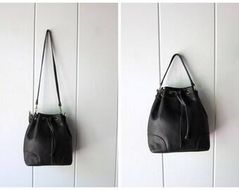Vintage Black Leather Bucket Bag 90s Cross Body Pouch Purse Drawstring Bag Modern Slouchy Shoulder Bag Leather Hand Bag Hipster Purse