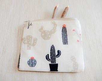 Make Up Bag - Gift for Her - Cactus Pouch - Cosmetic Bag -  Pencil Pouch - Gift for Mom - Back to School Supply - Pencil Case - Toiletry Bag