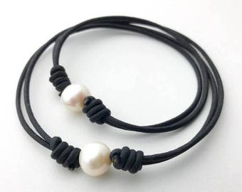 Adjustable Anklet or Bracelet. White Freshwater Pearl and Black Leather Bracelet or Anklet. Unisex Jewelry
