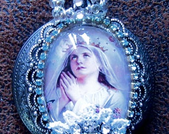 """Catholic Virgin Mary """"Queen of Heaven"""" and Our Lady of Miraculous Religious Locket Shrine Pendant with Vintage Pocket Statue"""
