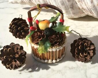 Christmas Ornaments, Vintage, 50s, Kitsch, Basket, Pinecones, set of 4