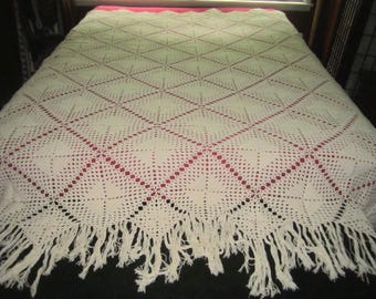 Vintage Heavy Hand Crocheted Ivory Cotton 62x87 Bedspread