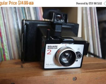 SALE 25% OFF Vintage Polaroid Square Shooter 2 Camera with Case & Instructions