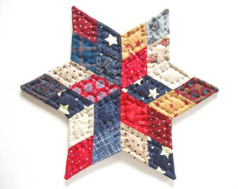 July 4th Patriotic Decor, Americana Star Quilted Candle Mat Quilted Table Topper Red White Blue Primitive Country Home Decor Farmhouse Decor