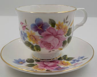 Sadler -Vintage Fine Bone China Tea Cup and Saucer - Made in England - Gold Gilding -  Wellington - Shabby and Chic