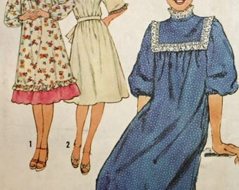 """Vintage 1970s Sewing Pattern, Simplicity 8415, Misses' Dress, Misses' Size 8 and 10, Bust 311/2"""" to 32 1/2"""",  UNCUT, FF"""