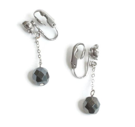 Dark Grey Faux Hematite Earrings Rosebud Accent Dangle Drop Clip On Vintage
