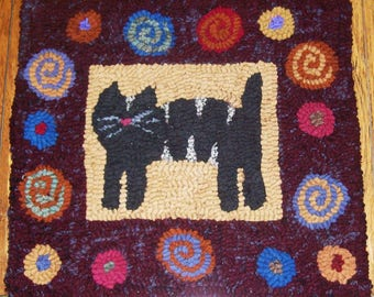 Cat with Antique Posies Primitive Rug Hooking Kit with Cut wool Strips