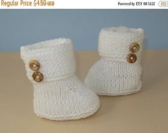 40% OFF SALE digital pdf file knitting pattern for - Easy Baby Garter Stitch Cuff 2 Button Booties pdf knitting pattern