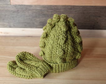 Baby Aran knit hat and mitts