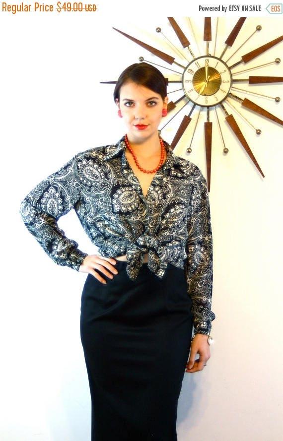 SALE 50% OFF Vintage 80s Diane Von Furstenberg Blouse Paisley Print Black & White Collar Long Sleeve Button Down Ladies Shirt 1980s DVF Loos