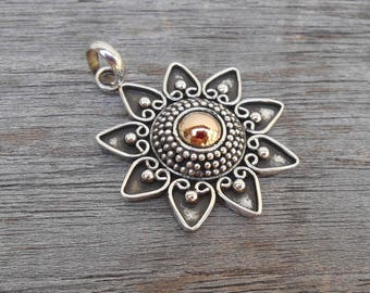 Silver sterling Nine pointed Star Pendant with gold dot  / Silver 925 / 1.25 inches diameter