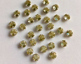 Vintage  3.5mm Swarovski Rose Montee 2 hole sew ons -  Pale Yellow/ Silver Setting