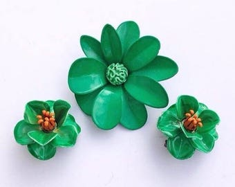 SALE Vintage enamel green floral flower brooch pin with matching clip on earrings St Patrick's day jewelry Spring