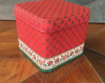 Vintage Square Tin with Paper Coasters, Potpourri Press, Made in USA, Red and Green Christmas Tin, Vintage Christmas Decor