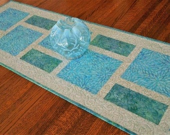 Modern Quilted Batik Table Runner in Aqua Teal Blue Green and White, Dining Table Decor, Coffee Table Runner, Dresser Runner, Bureau Scarf
