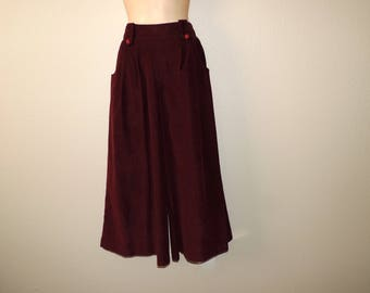 dark red culottes 1970s maroon corduroy wide leg palazzo pants medium