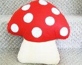 Red toadstool cushion, mushroom pillow, Mushroom Decoration, Kids room decor, woodland decor, forest nursery decor, plush toadstool