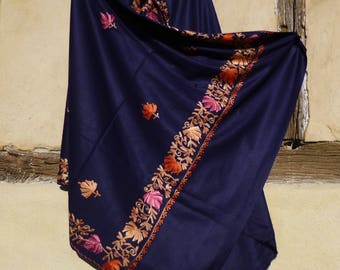 """Embroidered Dark Blue Floral Stole. Luxurious shawl. Pure wool.  84 x 40"""".  214 x 102 cm"""