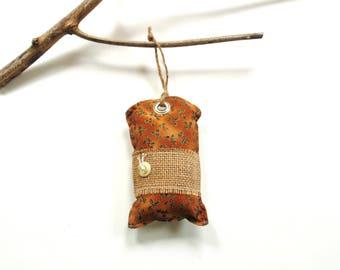Christmas sachet, Balsam fir pine sachet, pine cinnamon chips, Balsam Christmas, tree trimming, country home door hanger sachet