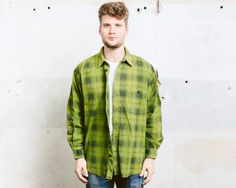 Men Plaid Flannel Shirt . Vintage 90s Grunge Green Soft Flannel Oversized Distressed Shirt .  size Extra Large XL