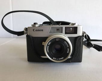 Vintage UNTESTED Canon Canonet 28 35mm Camera with Original Case