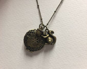 Woodlands Diffuser Locket Necklace