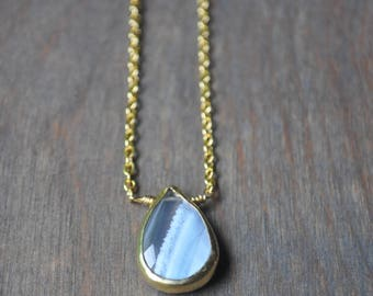 Agate Teardrop Necklace in Gold