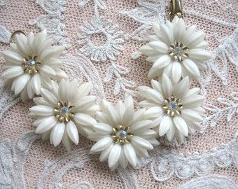 Vintage Soft Plastic Flower & Rhinestone Bracelet ~ Coro ~ White