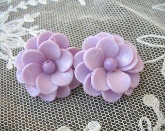 Vintage Plastic Flower Earrings ~ Lavender ~ Clip On