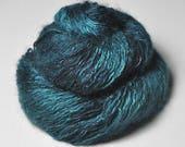Giant clam closing forever - Silk/Mohair/Polyamide Sport Yarn