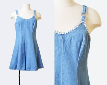 Vintage 90s Blue Denim Daisy Overall Shorts / 1990s GRUNGE One Piece Shortall Jean Shorts Mini Dress Romper Playsuit Sleeveless Medium m