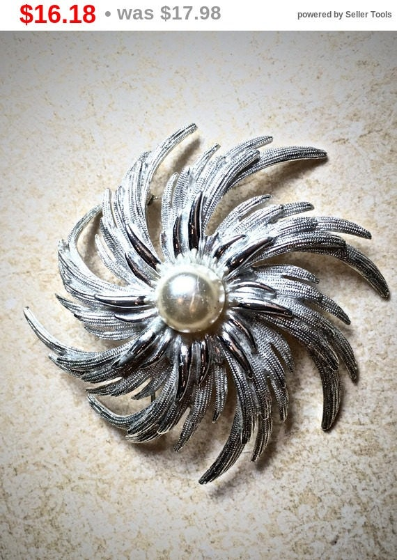 Summer Sale Silver and Pearl vintage starburst brooch, Large Sarah Coventry Brooch