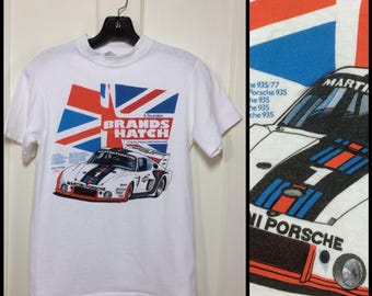 1980s Porsche Brands Hatch Union Jack British Flag Hot Rod Motor speedway Martini Racing Car white t-shirt Size Small 16x23 Hanes Beefy T