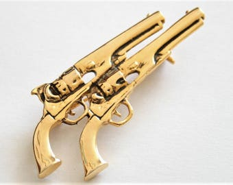 Vintage pistol brooch. 2 pistol brooch. Gun brooch