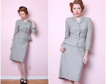 1940's Rayon Suit / Jacket and Skirt / Gray / 40s 2 Piece / Small