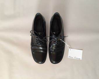Banana Republic oxfords / black patent leather oxfords / 90s leather oxfords / 7