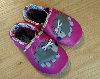 Baby shoes, pink hedgehog leather booties size 4/ 6-12 months, leather soft soled shoes, moccasins